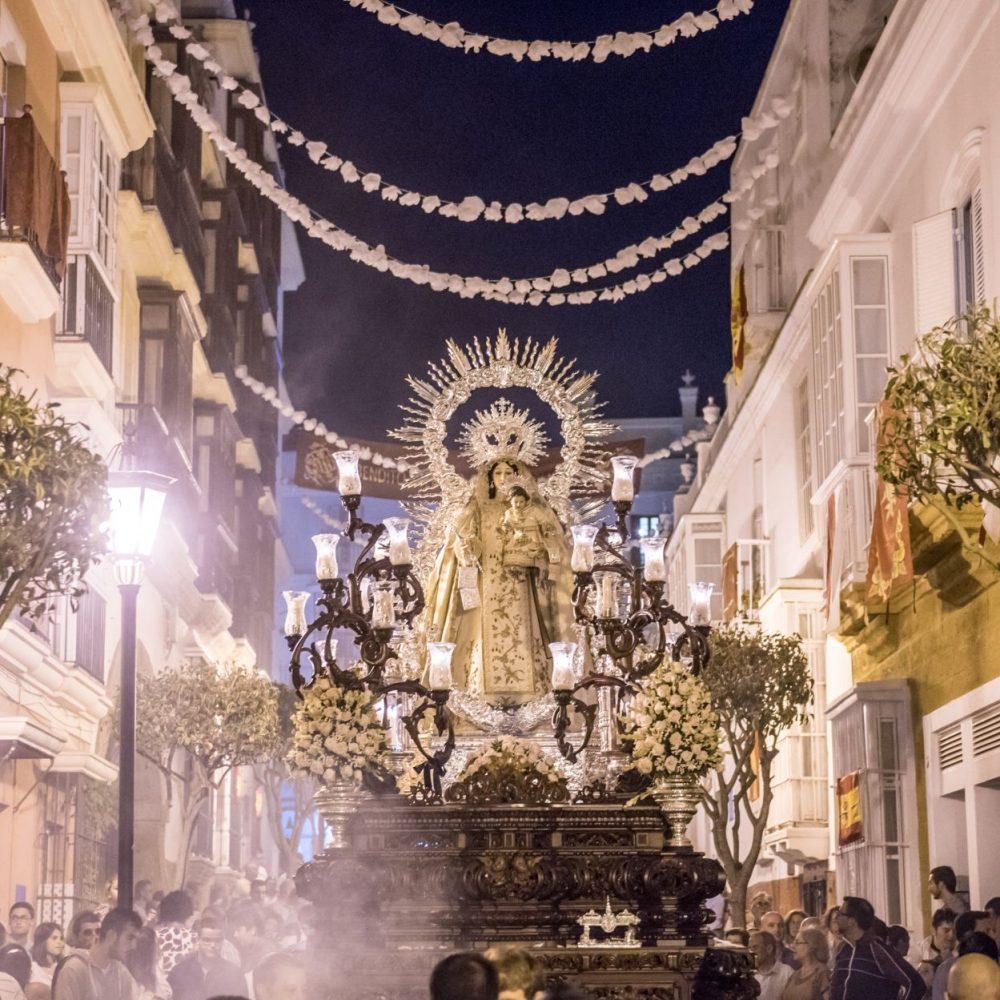 Con la procesión de la Virgen de las Mercedes finaliza el ciclo de Glorias en La Isla