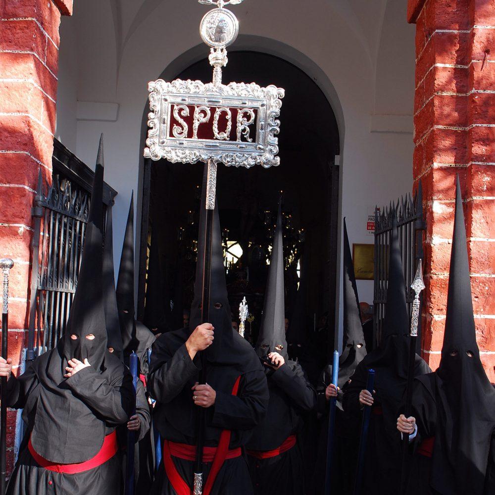 Reapertura de la Capilla y devolución de túnicas