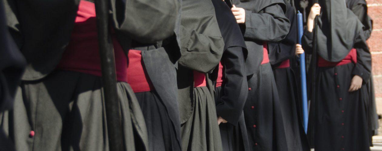 Recogida de túnicas